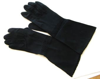 Vintage 50s Black Cotton Nylon Blend Cresdendoe Gauntlet Ladies Gloves size 6