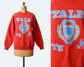 Vintage 80s YALE UNIVERSITY Shirt Sweatshirt / 1980s College Graphic Retro Sweater Medium Large