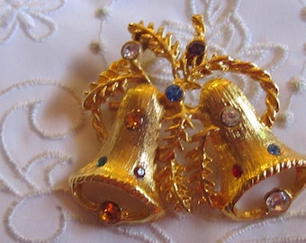 Vintage Gold Tone Christmas Bells Brooch with Leaves, Rope and Rhinestones