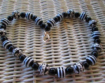 539  Womens black and white striped and designed 14mm beaded handmade necklace
