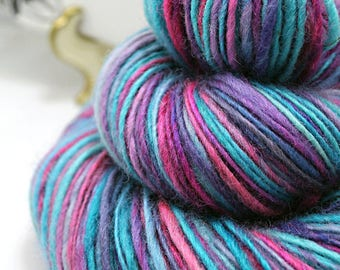 Handpun Yarn Gently Thick and Thin Single Blue Faced Leicester 'Cotton Candy'