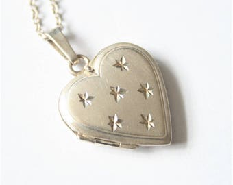 Vintage sterling silver locket.Heart locket. Locket and chain. Vintage silver jewellery