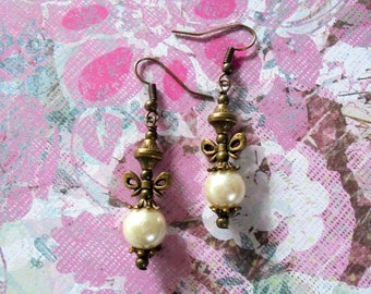 White Pearl Earrings with Bows (3760)
