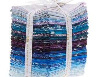 Artisian Batiks - Metallic Noel Fat Quarter Bundle by Lunn Studios for Robert Kaufman Fabrics