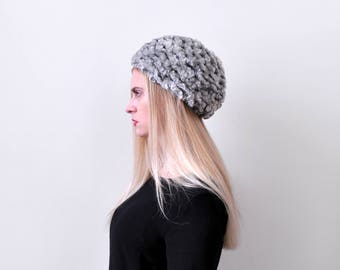 1970's gray knit hat. 70 silver hat. Winter. stretchy. round bubble shape.