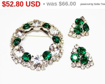 Green & White Rhinestone Brooch / Earring Set - Round Wreath w Prong Set Green - Clear Facted Crystal Glass Rhinestones - Matching Clip ons