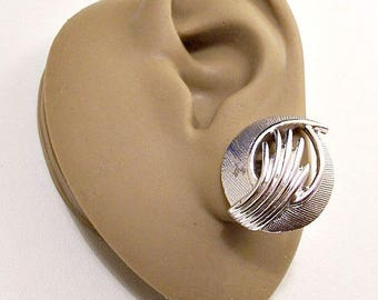 Sarah Coventry Florentine Swirl Clip On Earrings Silver Tone Vintage Fine Lined Brushed Oval Open Layered Curled Ribs Rib Edge Wrapped Bands
