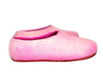 Boiled Wool house Shoes Pink Merino Wool Slippers Womens, Handmade shoes House slippers Rubber Soles Color Customization, Cold feet