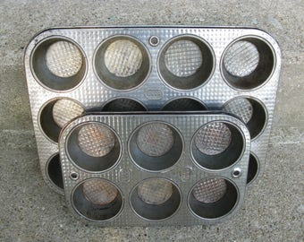 ovenex bakewear muffin tins ekco metal bakeware textured detail rustic kitchen farmhouse kitchen industrial