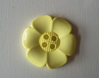 Extra Large Flower Button -Pale Yellow