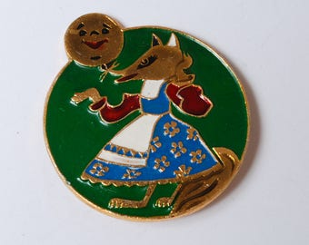 Vintage metal pin, The Russian children fairy tale, The Fox and  the Bob.  Badge  from USSR.