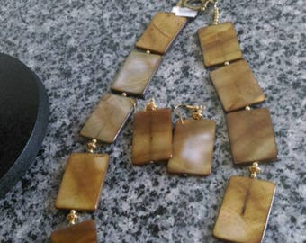 Brown Shell Bead Necklace with Matching Earrings