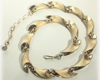 Elegant Trifari Gold Choker Necklace