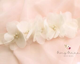 Ivory Wedding Sash, Ivory Bridal Sash, Off White Wedding Belt, Ivory Bridal Belt, Ivory Silk Flower Bridal Belt - Vera Wang Inspired