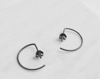 Hoop earrings // edgy silver earrings // minimalist earrings // geometric earrings // SM007