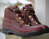 Amazing near deadstock 1992 Vasque Sundowner Hiking Boots - Made in Italy - Waterproof Gore-Tex, Leather sz 9 womens - may fit trans / male