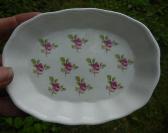 Vintage 1970s to 1980s Royal Elegance Staffordshire Bone China England Pin Dish/Soap Dish/Trinket English Small White Pink Rose Flowers Oval