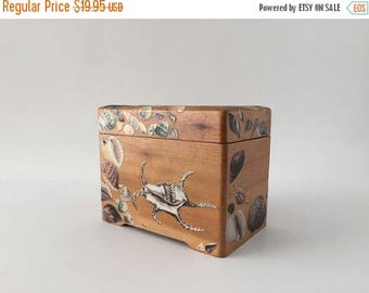 Memorial Day Sale Vintage Blonde Wood Box for 3 x 5 Cards with Decoupage Shells, Recipe Box, Coastal Beach Decor