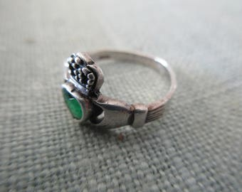 vintage sterling silver ring - Celtic, Irish, claddagh,  green, size 5.75