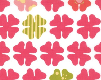 MoMo Fabric, Just Wing It by MoMo for Moda Fabrics, 32445-11 Four Petals in Tomato Red