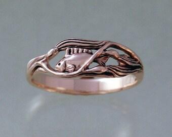 Fish In Kelp Ring ~ 14k Gold