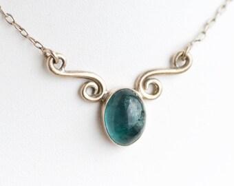 Green Agate Necklace - Sterling Silver - Vintage Short Elegant Necklace