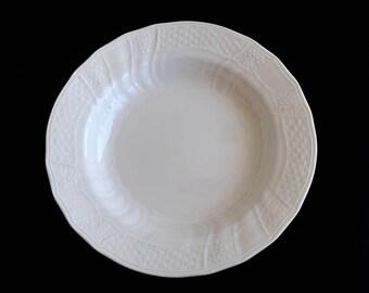 Mikasa Renaissance White Large Vegetable Bowl D4900 Basketweave Swirls