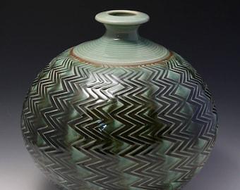 Wheel Thrown Porcelain Pressed  Zigzag Texture Vase/Bottle by HsinChuen Lin 林新春