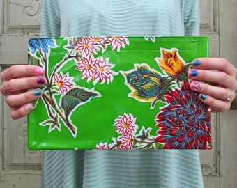 """Green Retro Floral Oilcloth Bag, clutch purse or makeup bag, jewelry case. Regular size, 10.5"""" by 6.25"""""""