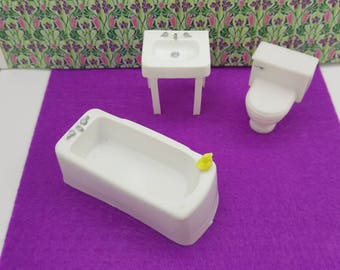 Marx Bathroom  Bath tub Toilet and Sink Pure white Toy Dollhouse Traditional Style  soft Plastic