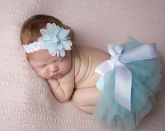 Aqua Tulle Ruffle Bloomers with a Satin Bow AND/OR Flower Headband, newborn photos, bebe, by Lil Miss Sweet Pea Boutique, fotografia