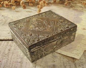 Vintage  Metal Trinket Box / Jewelry Box / Gift Box / Wood Lined Interior Box