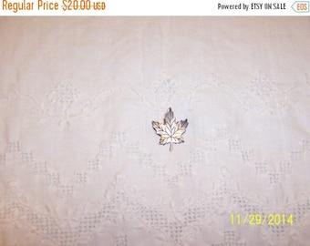 20% OFF VALENTINES SALE Vintage Maple Leaf brooch. Sterling Silver.
