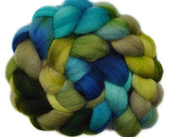 Handpainted roving - Corriedale Cross wool spinning fiber - 4.2 ounces -  Wonderland 2