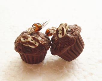 Chocolate Chip Muffin Earrings. Polymer Clay.