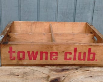 Vintage Towne Club Crate - Pop Crate - Soda Crate - Storage Crate - Farmhouse - Cottage