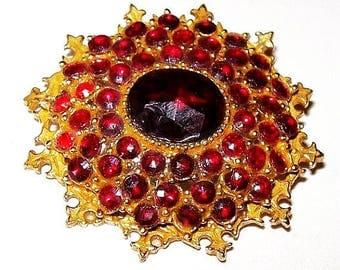 "Red Rhinestone Brooch Signed ART Gold Metal Fleur Di Lis Pattern 2"" Vintage"