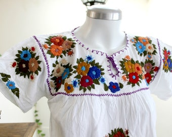 Hand Embroidered Tunic,White top,long cotton blouse,Multicolor Floral Embroidery,Boho mexican shirt,bohemian Women. Traditional, Size M-L
