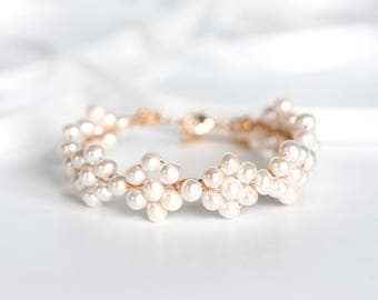694_Natural white pearl bracelet, Pearl gold jewelry, Gentle freshwater pearls bracelet, Ivory pearls silver bracelet, Wedding accessory