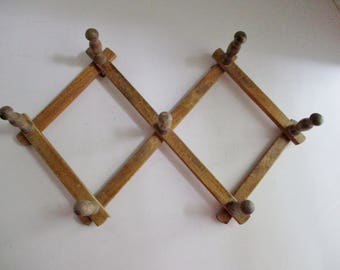 Vintage Peg Rack Wooden Small Accordian Wall Hook Mug Coat Hat Rack Kitchen King Japan