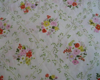 Full / Double Bed Flat Sheet - Flowers Leaves Diamond Shapes  - Cannon Made in USA