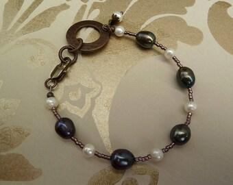 Pearl Bracelet, Dark Grey Pearls, Dark Pearl Bracelet, Freshwater Pearl Bracelet, Blue Purple Bracelet, Pearls and Seed Bead Bracelet, Boho