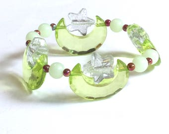 Kokiri Forest - Green Moon and Clear Glitter Star Stretch Bracelet with Iridescent and Glow in the Dark Beads