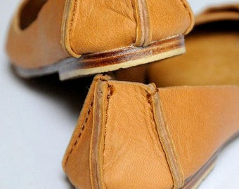 SALE. Sz. 6. NATIVE. Leather ballet flats / womens shoes / flat shoes / rustic / leather shoes.