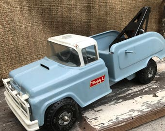 Vintage Toy Buddy L Tow Truck