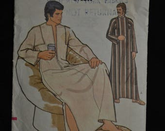 Men's Caftan - Size Small - Easy Vogue Pattern 8669