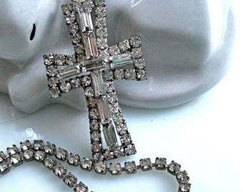 Rhinestone Cross Pendant, Clear Baguettes Prongset, Rhinestone Chain, Religious Christian Catholic Vintage Cross Necklace, Detachable Drop
