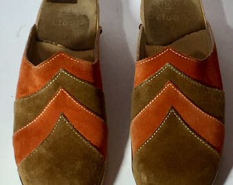 Vintage 70's Dr. Scholl's Boho Hippie Festival Brown and Rust Suede Clogs US Size 7