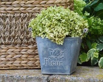 Dried Hydrangea Rustic Flower Arrangement, French Country Cottage, Sage Green Hydrangea, Farmhouse Wedding Flowers, Greenery, Centerpiece