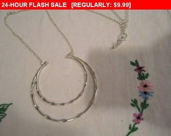 Vintage silvertone chain pendant necklace